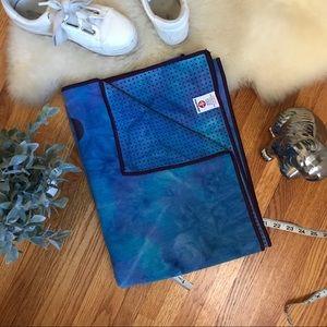 EUC Blue Tie-dye Yogitoes Manduka Yoga Towel